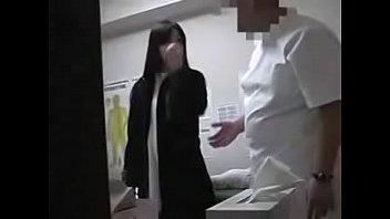 Парень изогнул соседку в позе раком в нейлоновых чулках