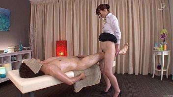 Вскоре после тренировки фитоняшки устроили интимные ласки и достигли блаженства
