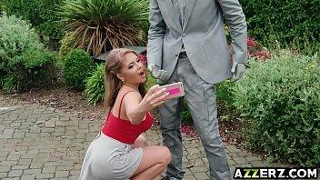 Мужик наказал жену и полизал ее ноги