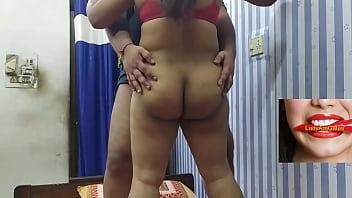 Худая белокурая шлюха чпокается с братиком по окончании интенсивной мастурбации